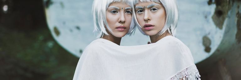 Horoscope week 20 | Photo: Jovana Rikalo / stocksy.com